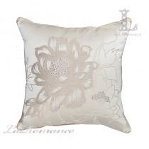 【芮洛蔓 La Romance】 古典風情系列米色牡丹燙鑽立體緹花抱枕